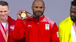 Tamil Nadu Weightlifter Sivalingam Wins his 2nd Gold in Common Wealth Games Image Credit: Twitter @hariadmk