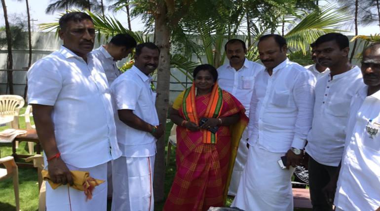 Tamilisai Soundararajan Tweet on her 2oth Anniversary of Public Life