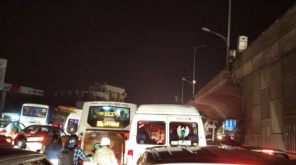 Public Disturbed by Traffic Jam of 3 hours by AIADMK Election Campaign