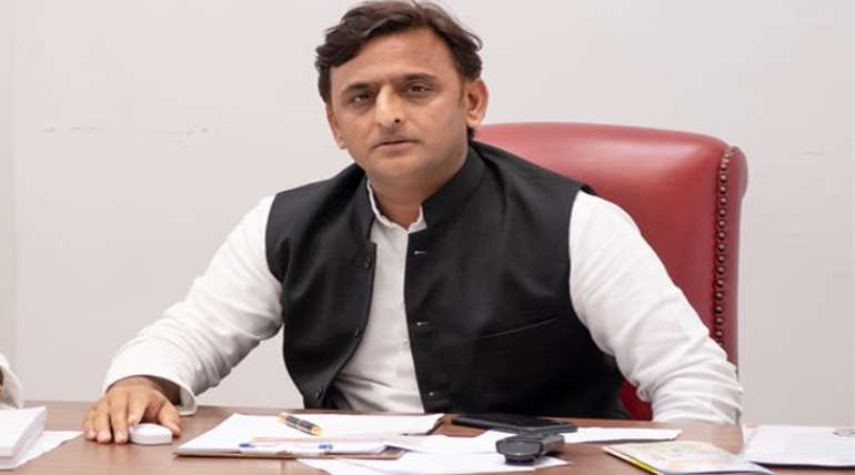Samajwadi Party Leader Akhilesh Yadav has Kicked the BJP